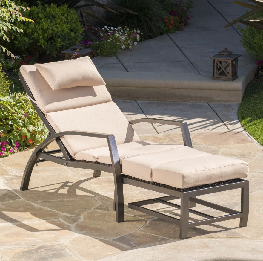 Outstanding Benefits Of Having Pool Lounge Chairs Inserbia News Ncnpc Chair Design For Home Ncnpcorg