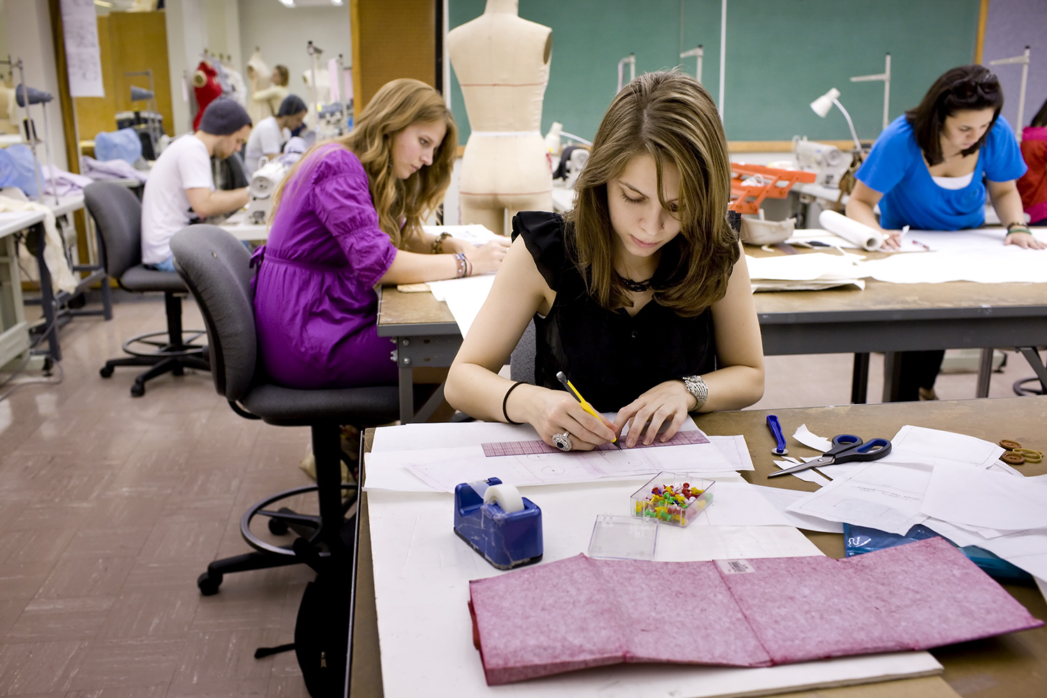 10 Tips for Studying Fashion Design Abroad - 2020 Guide - InSerbia News